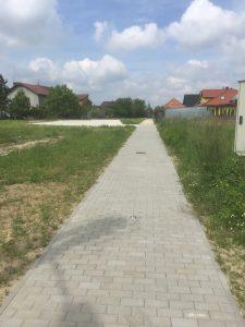Wykonanie terenu pod plac zabaw wraz z chodnikiem