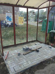 Wykonanie kostki brukowej pod przystanki autobusowe